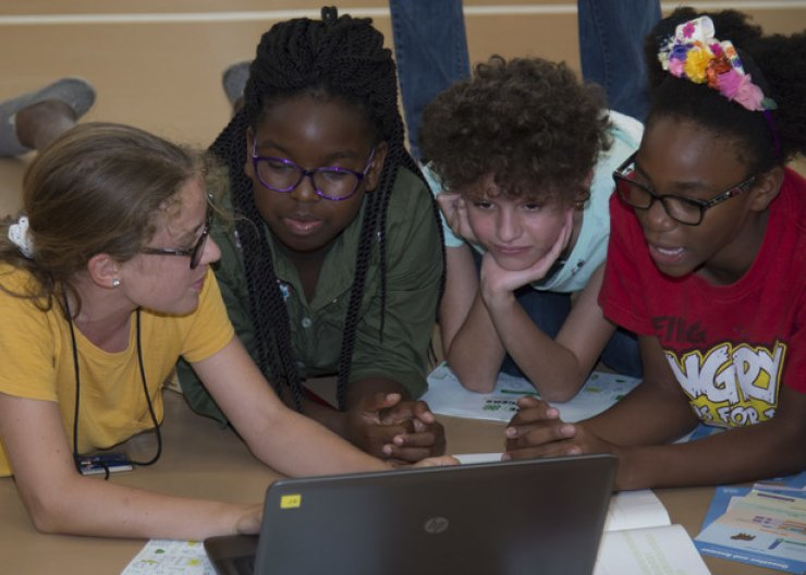 Saturday Academy girls learning to code in summer camp